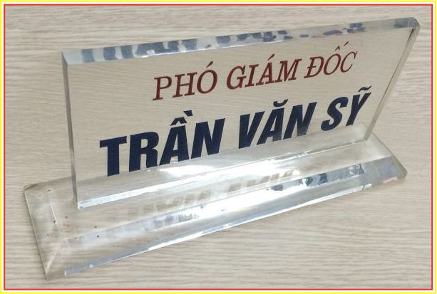 bảng chức danh mica trong suốt