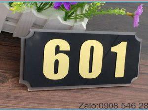 bảng số phòng khách sạn mica
